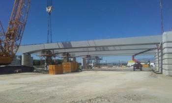 Finaliza el montaje de la estructura hiperestática en tramo Albolote-Santa Fé