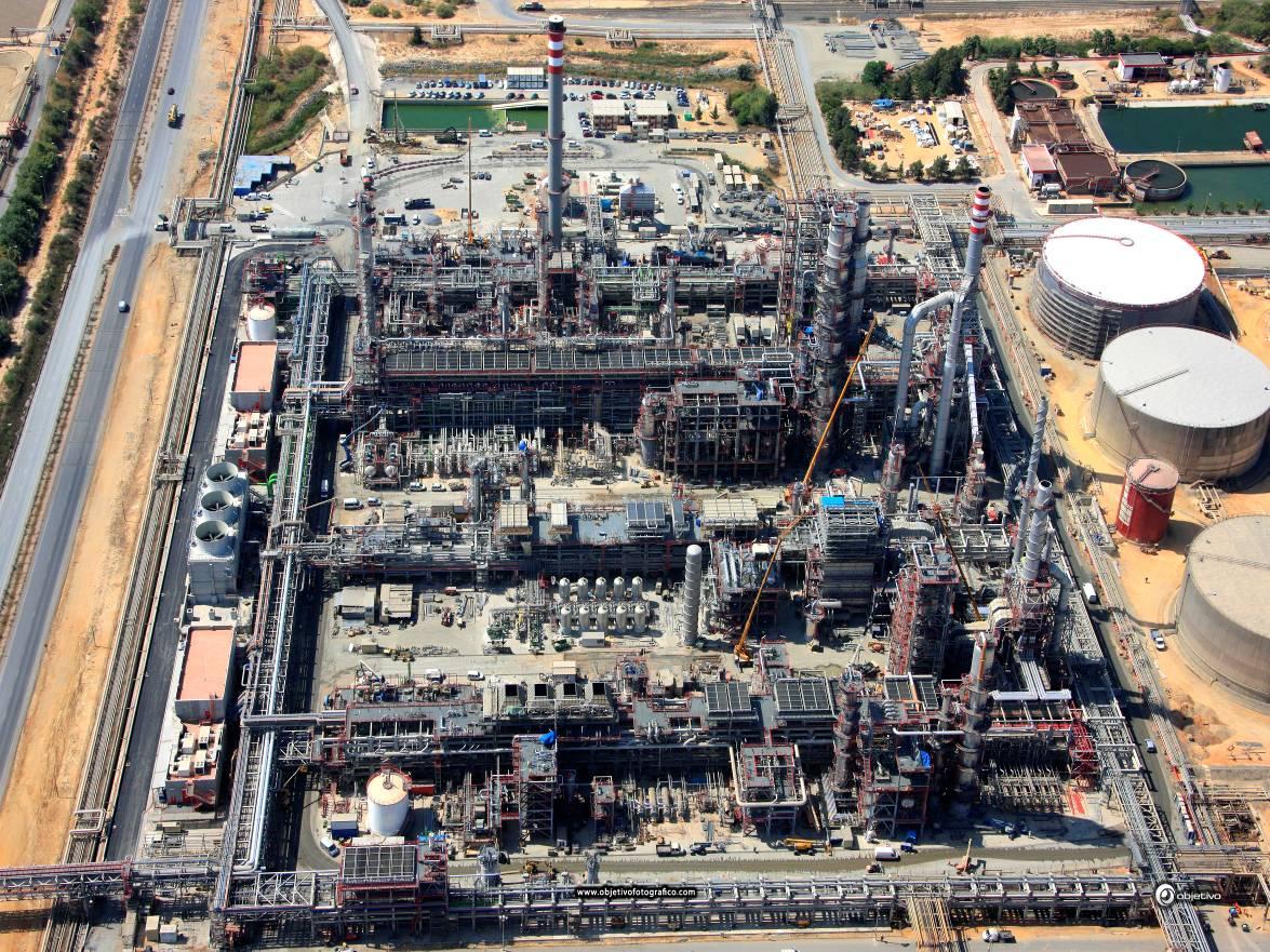 Refinery Racks in La Rábida (Spain)